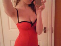 Very hot amateur girl posing on cam