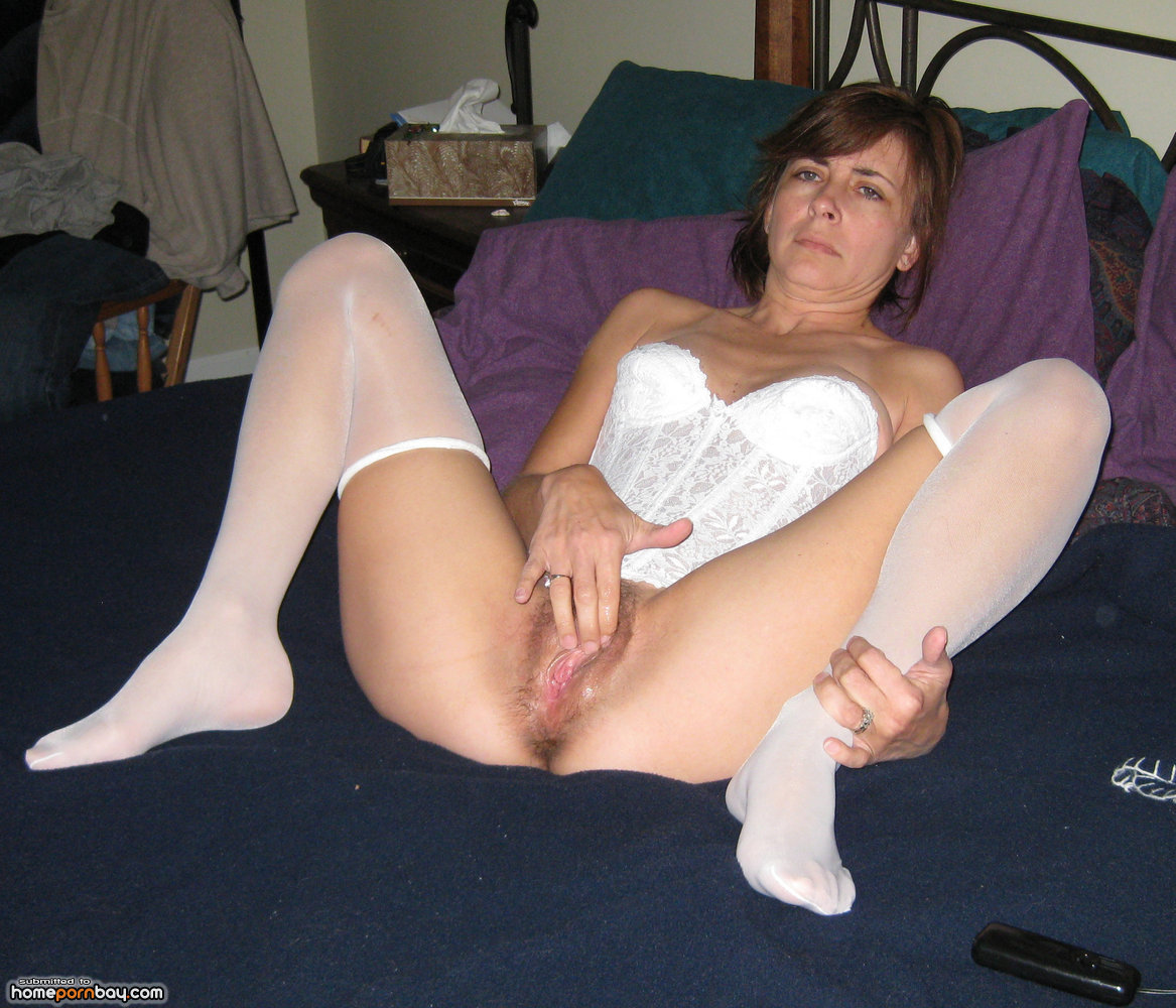 image Sharing milf in a homemade fmm