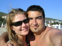 Real amateur couple share pics from vacation