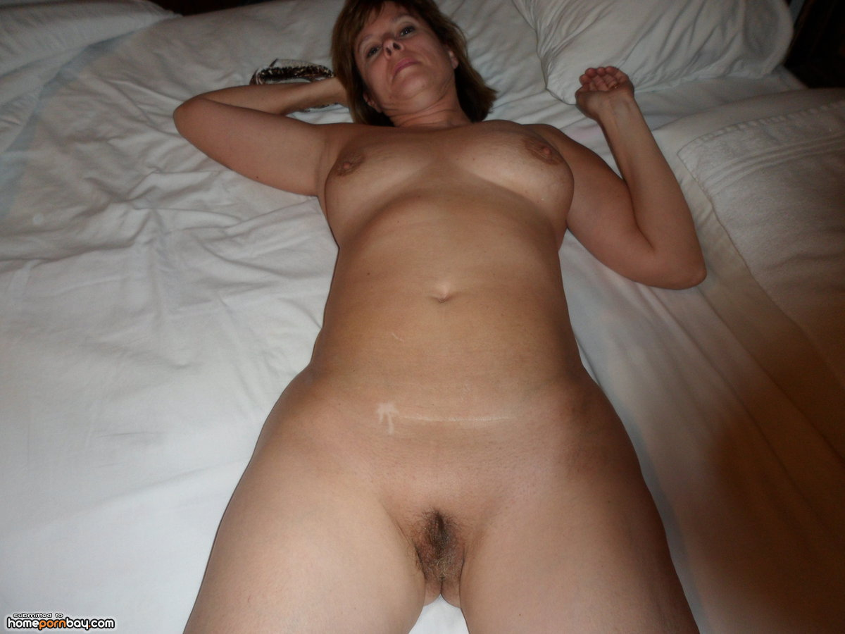 Nude Wife Mature At Home