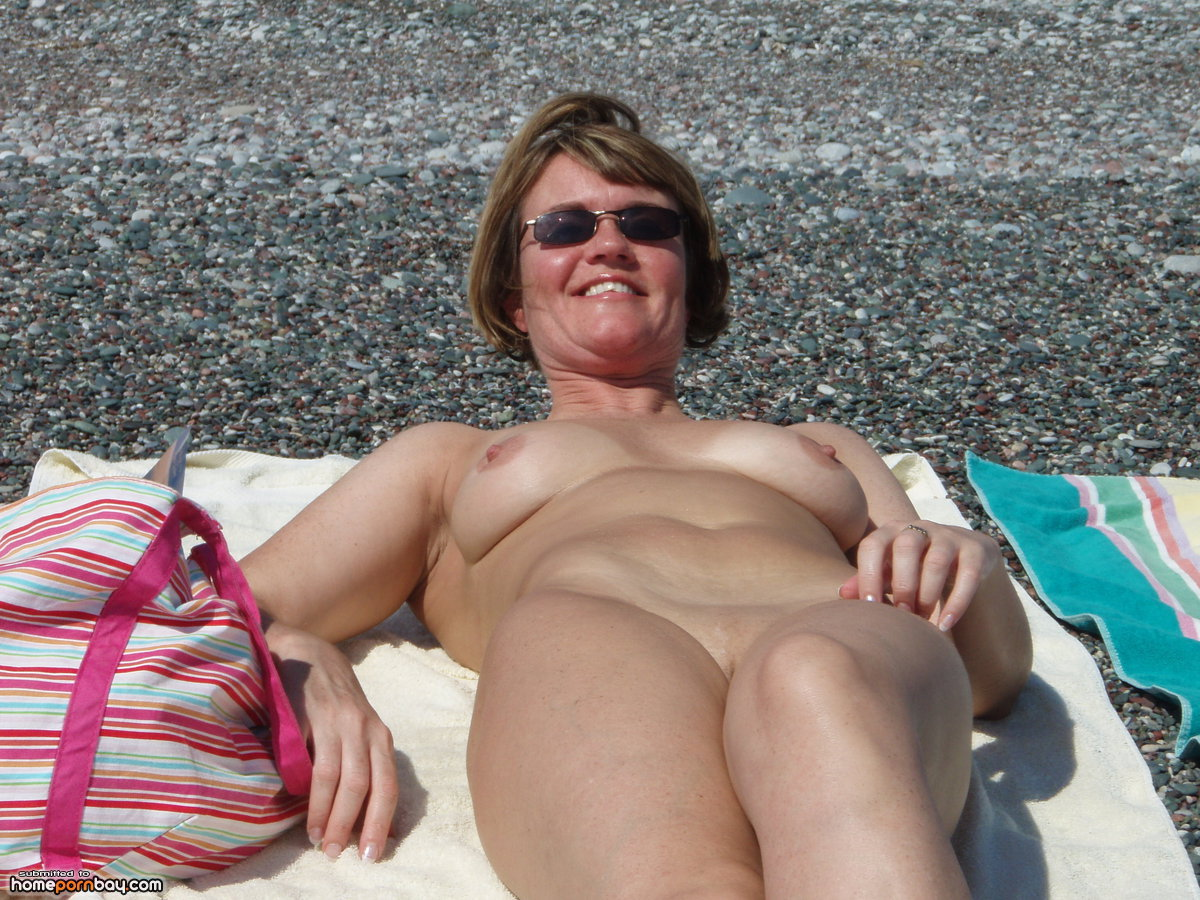 mature wife nude in and outdoor - mobile homemade porn sharing