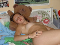 Amateur GF posing nude at home