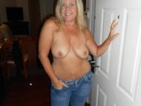 Chubby US amateur wife Nikki