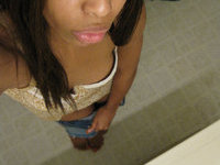 Ebony amateur girl selfie