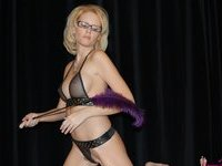 Blond amateur MILF naked and hardcore pics
