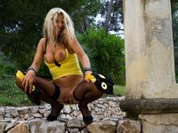 Blonde amateur MILF love posing on cam