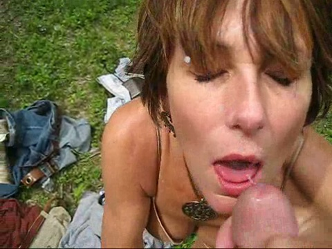 Amateur milf holly heart deepthroating cock in hardcore sex action