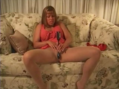 Play 'Chubby blonde getting ready for a fuck'