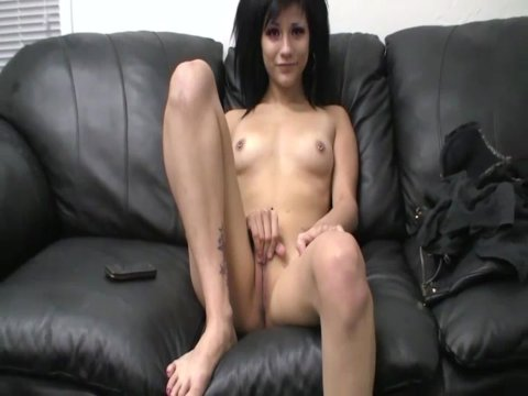 Play 'Tight brunette fucked hard in office'