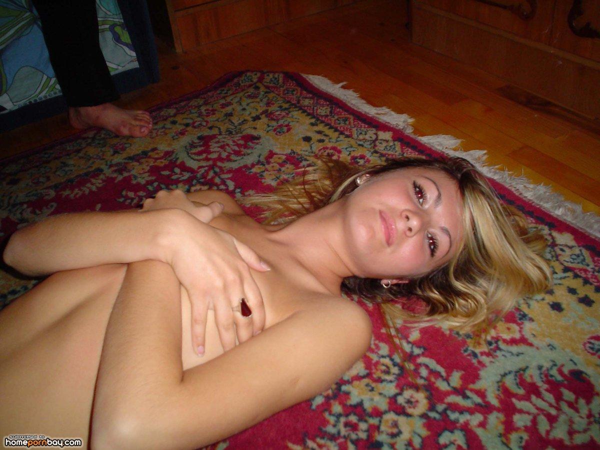Девушки домашнее фотографии интим 11