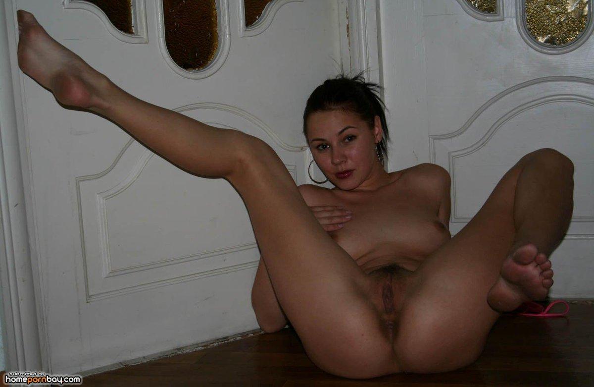 развратные голые девки частное фото извергая огромную