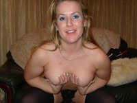 Blonde amateur MILF Veronique