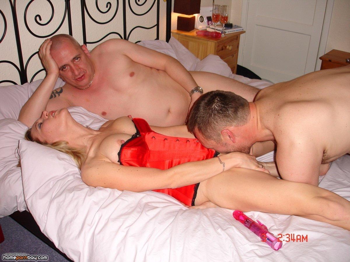 Женские порно и жена и муж лежа спине трахается
