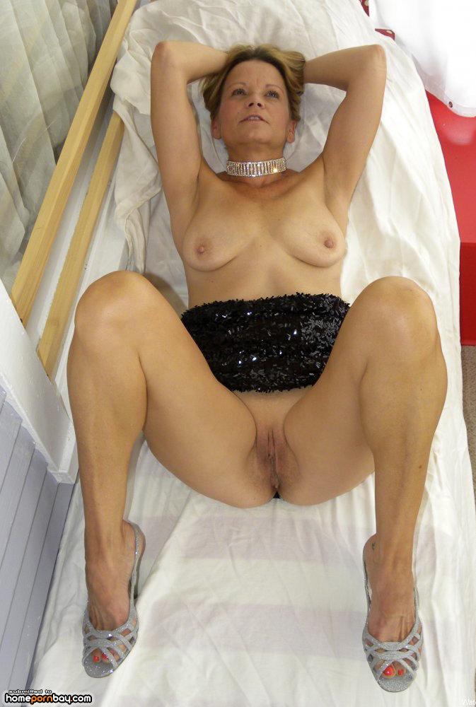 Milf legs porn