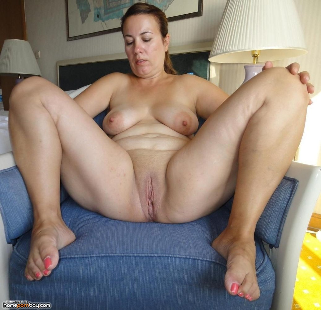 Nude mature turkish mom
