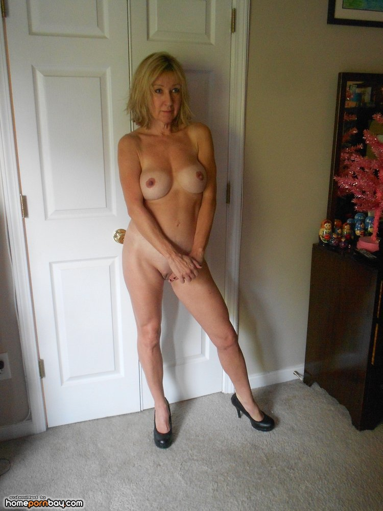 Hot nude cougars