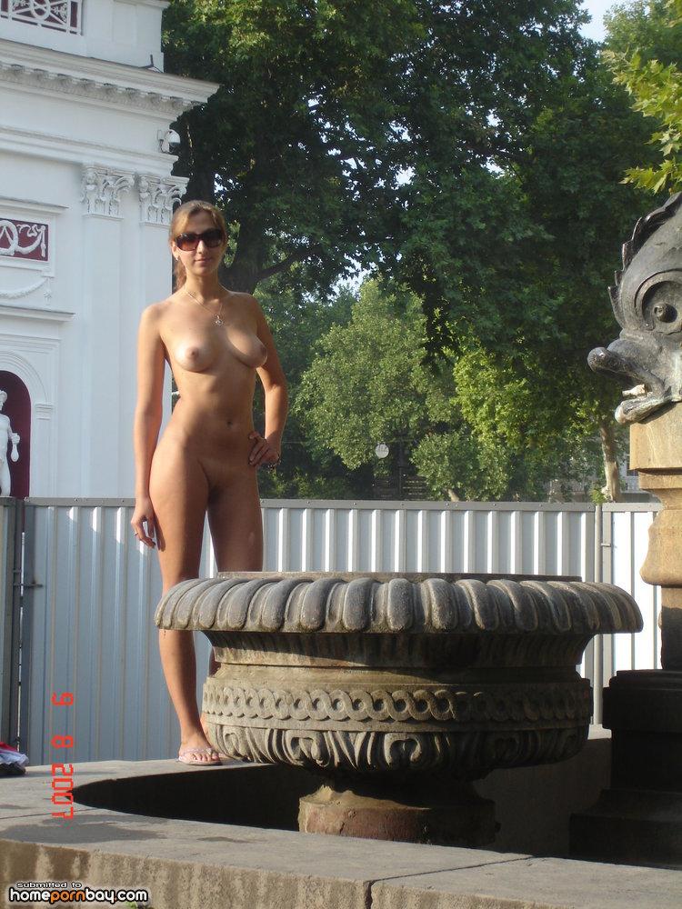 порно в одессе на улице она открывает нам