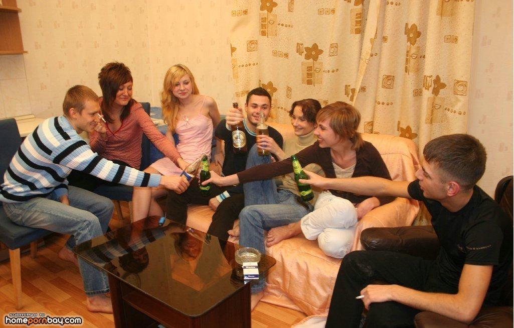 Немецкие студенты в общаге 8