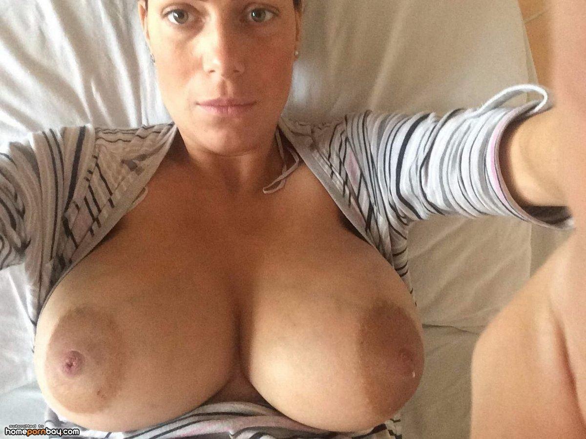 Смотреть онлайн бесплатно русские сисястые мамочки, Порно мамки, милфы, русские мамочки бесплатно 24 фотография