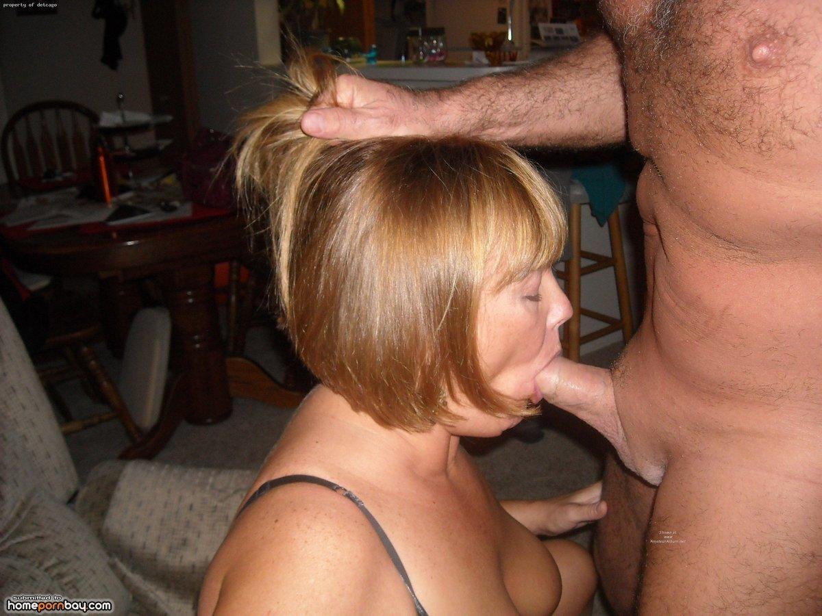 Порно жена сосет мужу зрелые