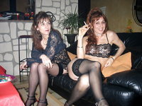 Two swinger MILFs sexlife
