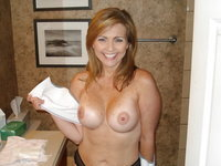 Beautiful amateur blonde MILF Jen
