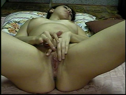 Play 'SEXY TEEN MASTURBATING ON THE FLOOR'