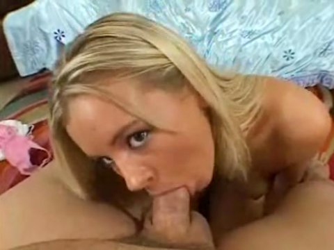 Photos sucking porn blondes of