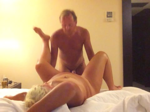 Play 'A blonde does doggy style'