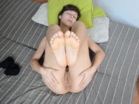 Showing girlfriends foot