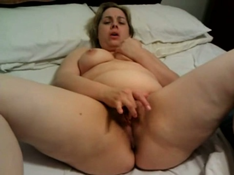 Play 'Solo BBW darling fingering'